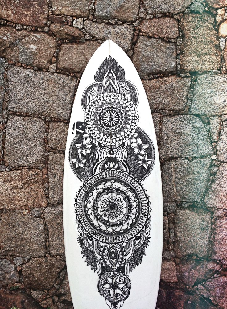 The Surfboard - This is the first surfboard that I paint, it`s my own board and I love the result. It took a while and a lot of back pain. Lol But it was worth it. #surf #art #mandala