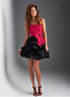 A-Line/Princess Strapless Short/Mini Taffeta Homecoming Dress With Ruffle