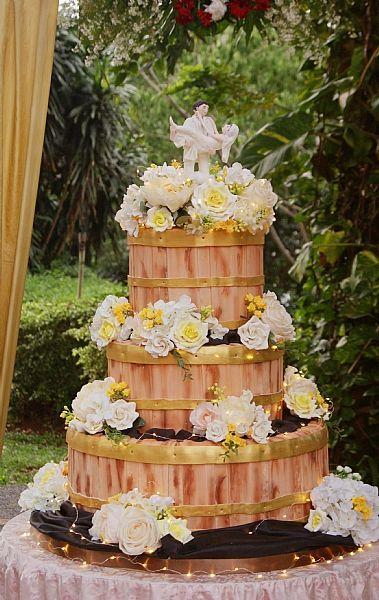 WhitePot Wedding Cakes