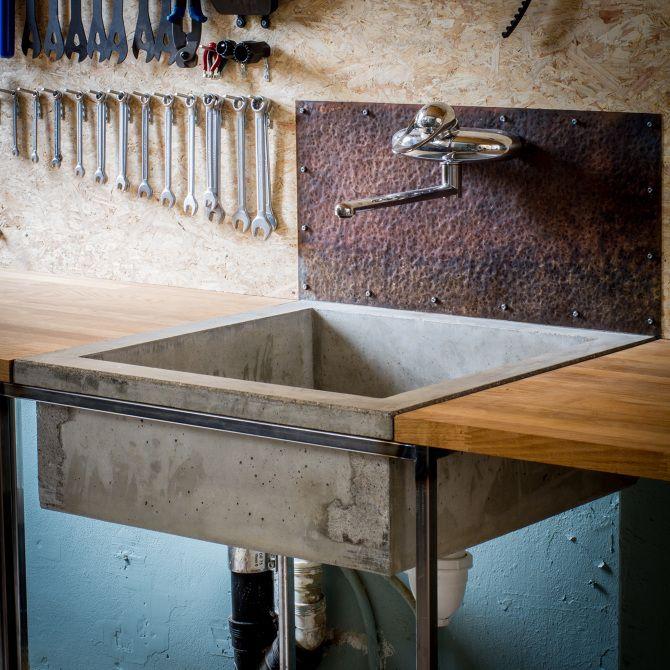 Bicycle repair shop/showroom - www.sverresaether.com