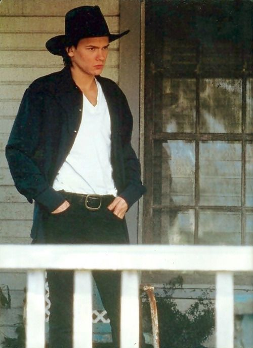 123 best images about River Phoenix on Pinterest | The ...