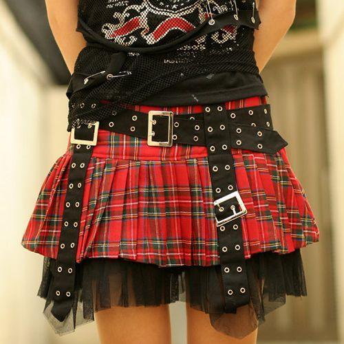 Die besten 25+ Schottenrock Outfit Ideen auf Pinterest