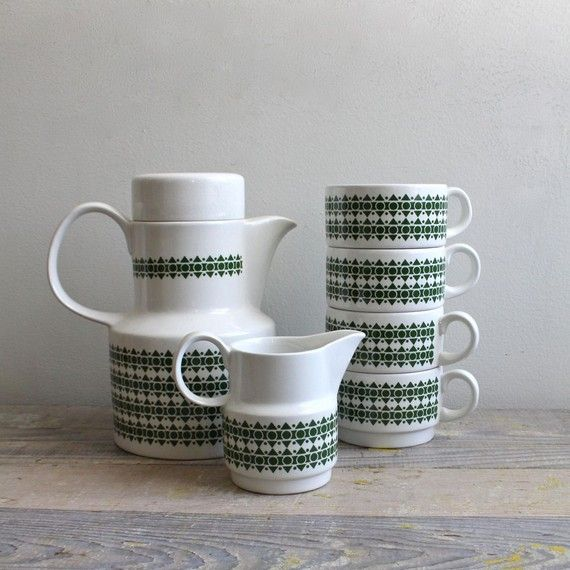 Mid Century Coffee Service from ethanollie on Etsy. I love this! $55.00