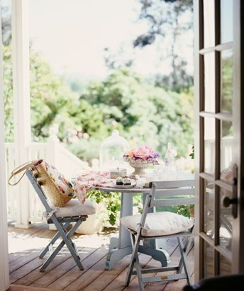 Breakfast table! Would be nice to eat breakfast outside in the summer/Fall.