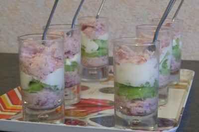 """750g vous propose la recette """"Verrine mousseline de jambon et concombres"""" notée 4.1/5 par 29 votants."""