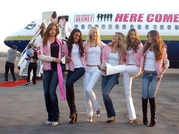 Alessandra Ambrosio Photos Photos Victoria S Secret Models Arrive In Los Angeles Victoria Secret Victoria Victorias Secret Models