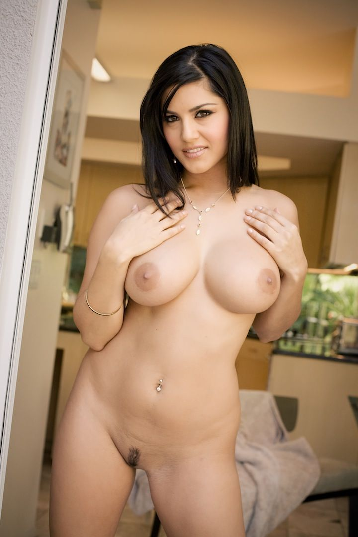 SALMA HAYEK Enjoying Sex - XVIDEOSCOM