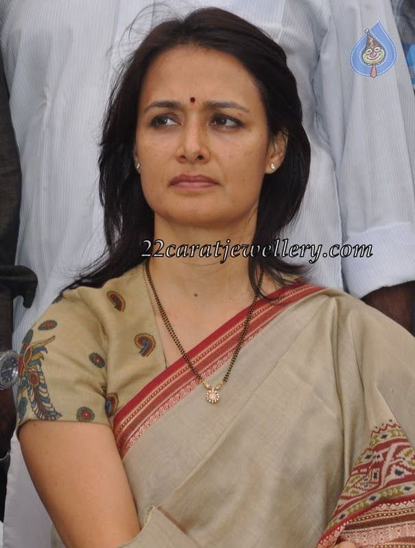 Jewellery Designs: Amala Akkineni in Black Beads Necklace