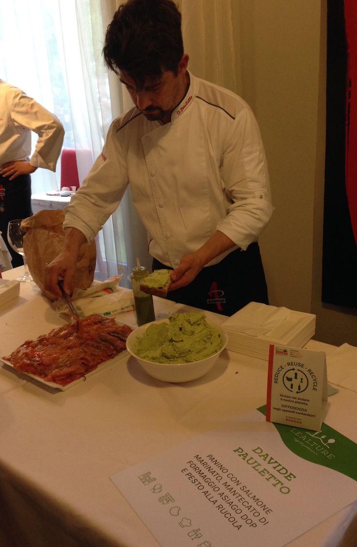 Chef Davide Pauletto: Panino con salmone marinato, mantecato di formaggio Asiago DOP e pesto alla rucola
