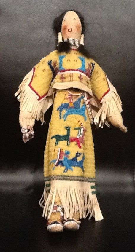 native american handmade dolls | 32: Antique -Native American Doll - Crow Indians