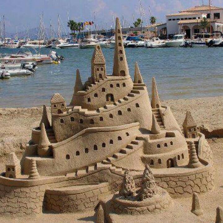 25 Summer Sandcastles | Built by Kids | Sand castle, Sand