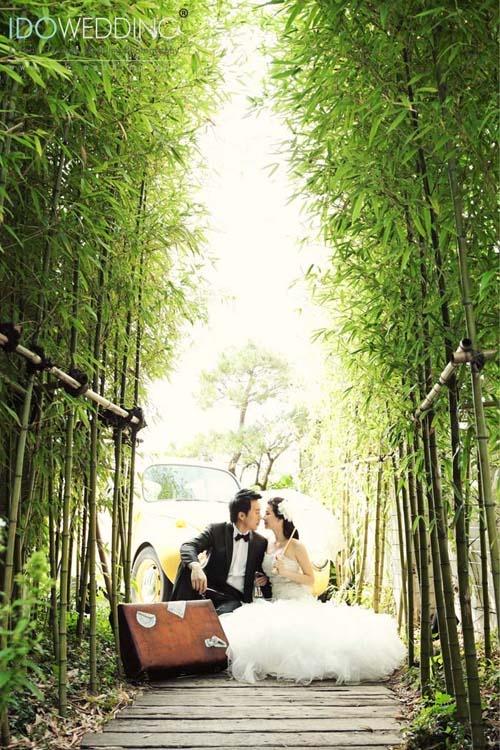Louis & Carmen in Seoul, 2011 Korea Wedding Photo with IDOWEDDING (www.ido-wedding.com)  # Please refer this photo above to be unedited #