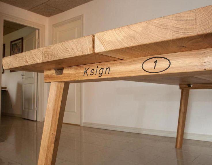 Rund spisebord med udtræk og to tillægsplader. gå ind og tilpas i ...