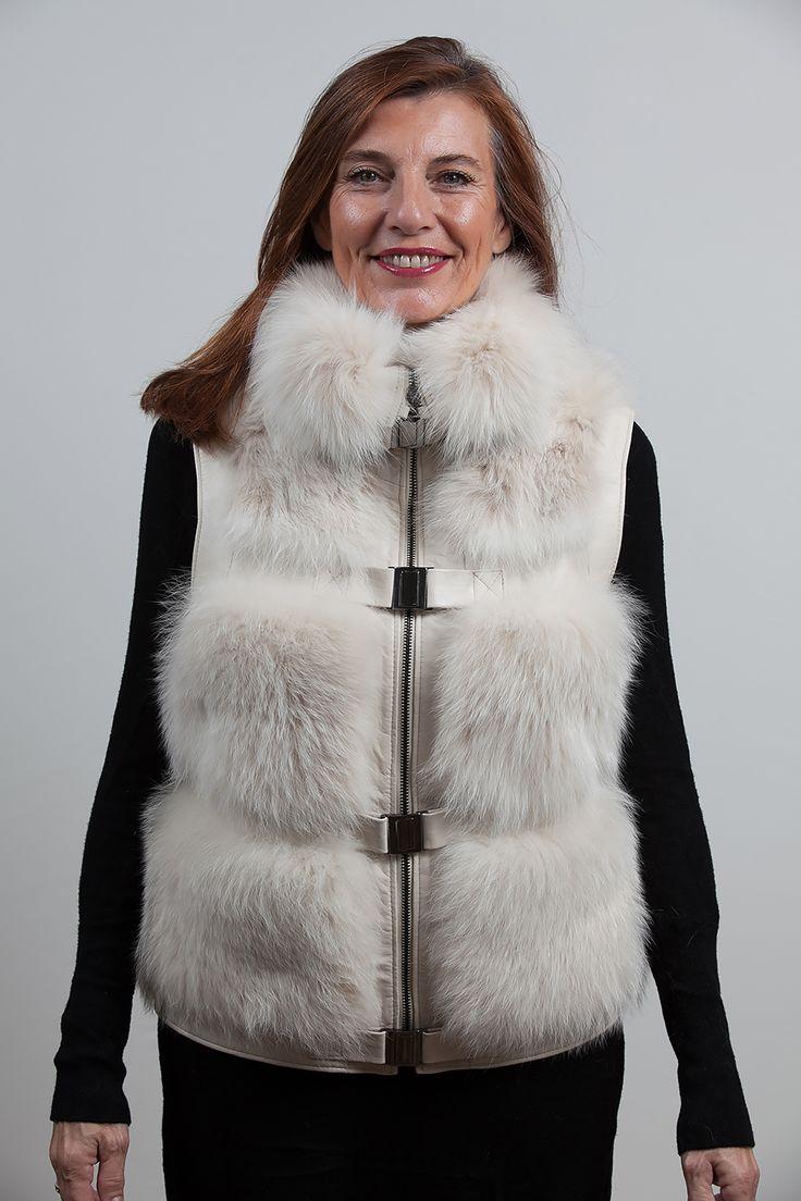 1000 images about vestes et manteaux de fourrure on. Black Bedroom Furniture Sets. Home Design Ideas