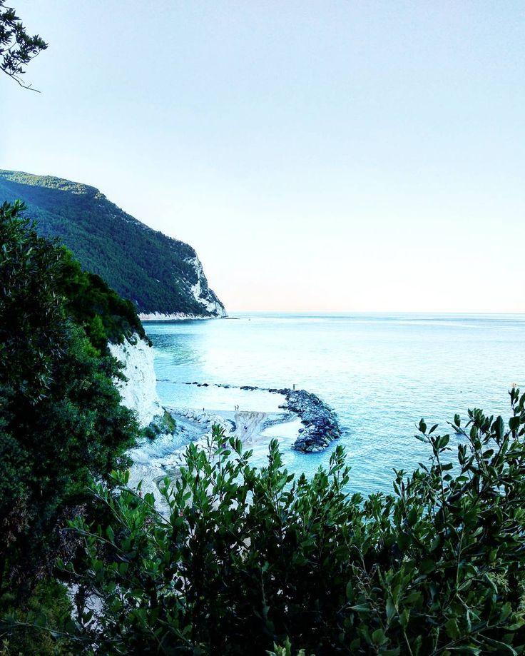 Sea sea sea .  . #sirolo #numana #sea #sealovers #waves #mare #sun #vsco #sailing #sail #italia #italy #enjoytheblue #instaitalia #ig_italy #sky #skylovers #vscoitaly #vscoeurope #seagull #igworldclub #ig_italia #instagood #instamood #instapic #love #amore #paradise #panorama #nature