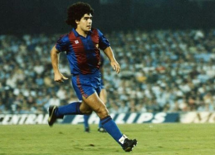 Maradona en su epoca en el FC Barcelona