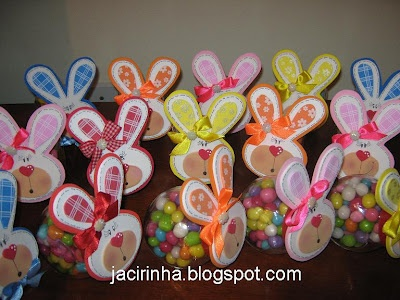 .: Lembrancinhas de páscoa em e.v.a: Gifts Ideas, Easter, Dance Quotes, Easter Bunnies, Páscoa Ems, Necklaces Bracelets, Candy Jars, Bunnies Treats, Jars Lids