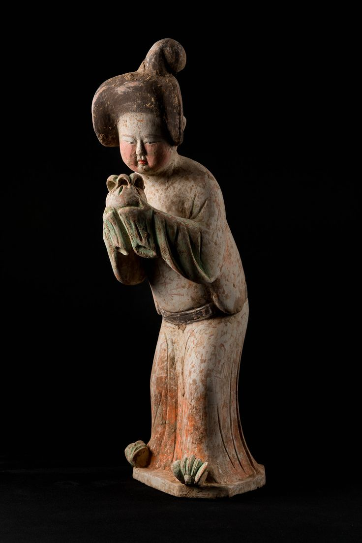 A FIGURE OF A COURT LADY - CHINA TANG DYNASTY - AD 8TH-9TH CENT, PAINTED TERRACOTTA, Height: 44 cm