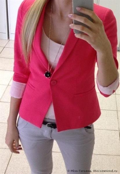 Ярко розовый пиджак