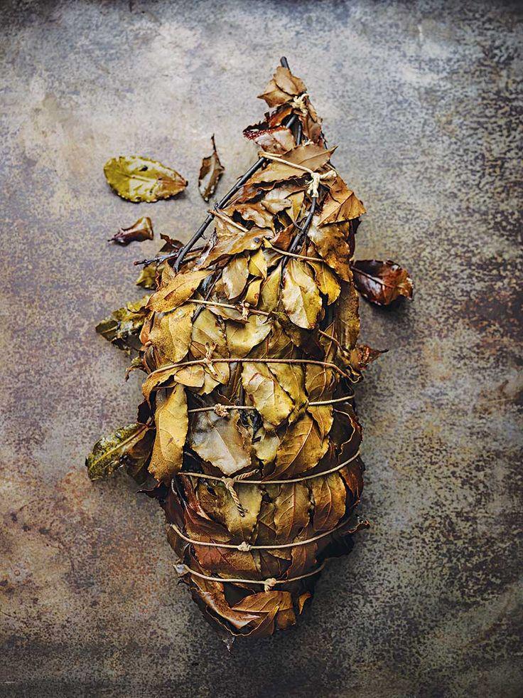 Leg of lamb with bay leaves, juniper and thyme - Tom Kerridge