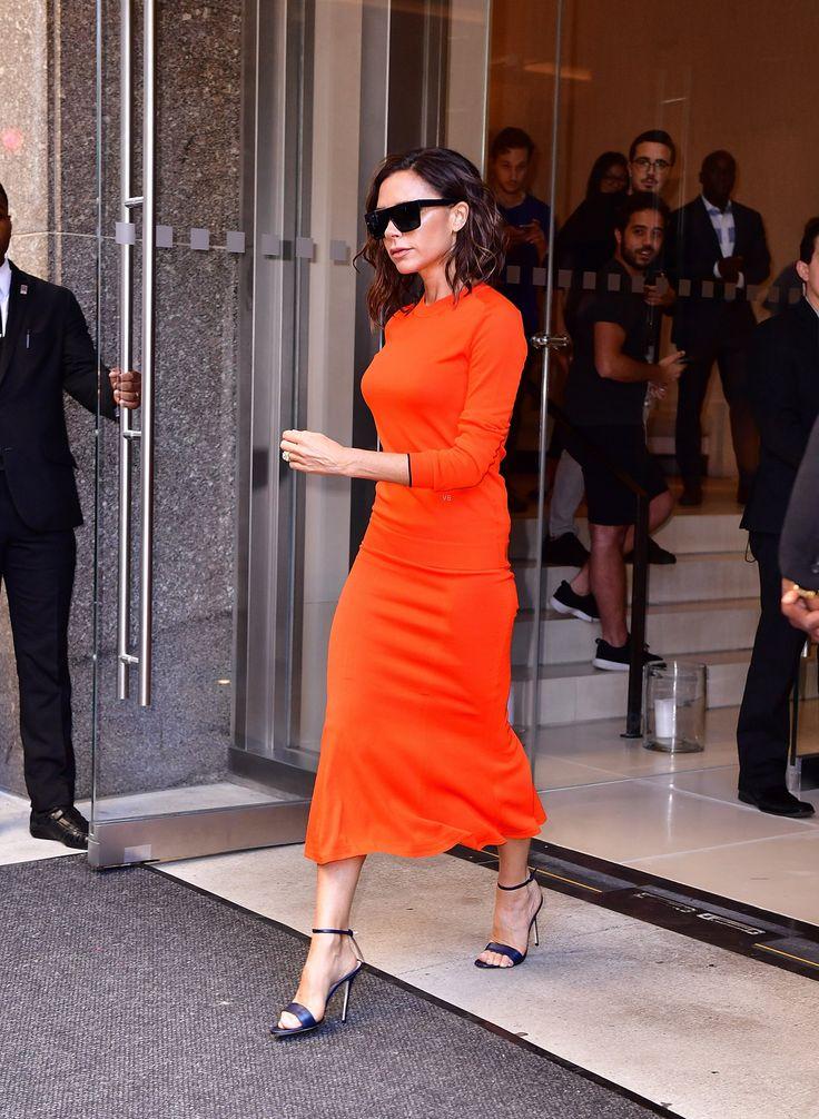 Victoria Beckham's Orange Outfit on Seth Meyers 2016 | POPSUGAR Fashion