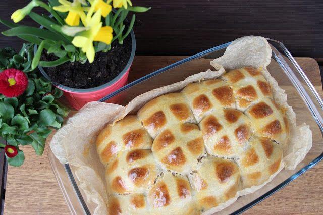 Hot cross buns - horké křížové bochánky