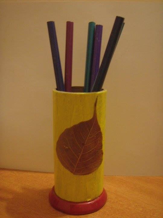 Pen holder - paper roll holder reuse: