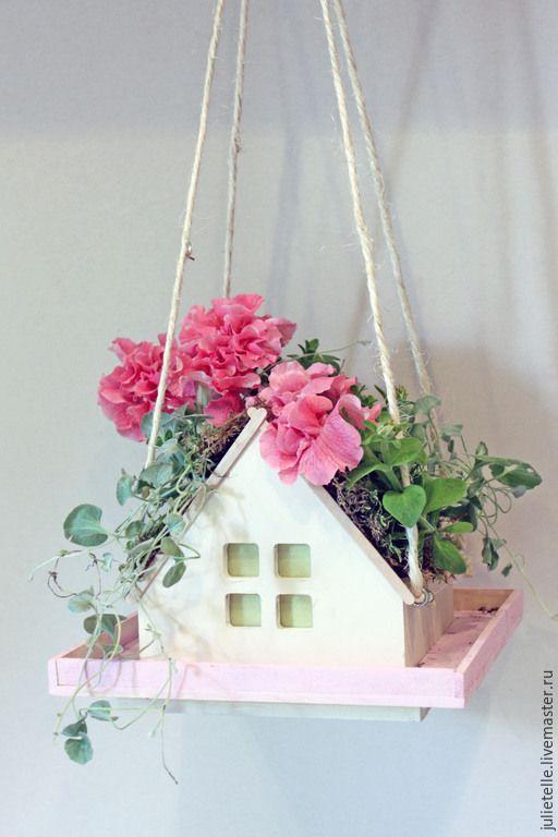 Купить Кормушка для птиц - бледно-розовый, кормушка для птиц, скворечник, аксессуар для сада, украшение сада