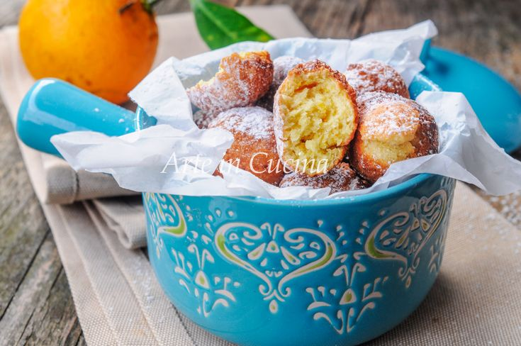 Castagnole ricotta, arancia e mandorle, ricetta facile, veloce, dolce di carnevale sfizioso, castagnole fritte golose e profumate all'arancia, dolce fritto