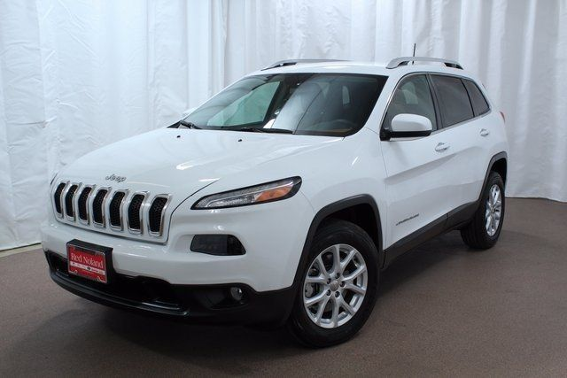 Used 2016 Jeep Cherokee Latutude SUV for sale at Red Noland Pre-Owned in Colorado Springs Motor City. Off-road capability with innovative features.