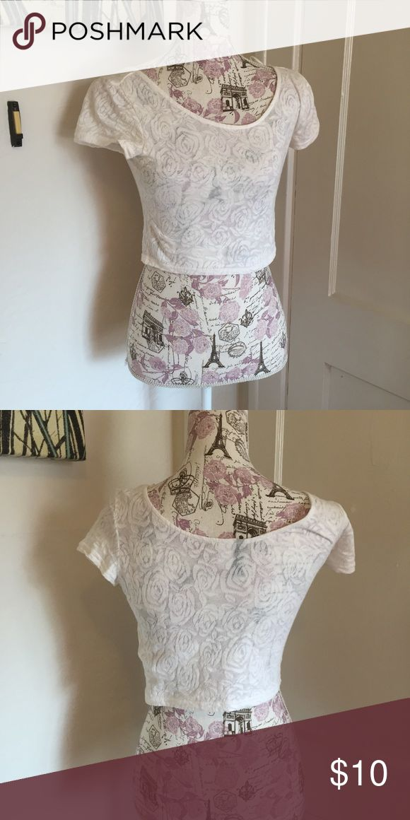 H and m roses crop top 🎀 crop top 🎀 size s 🎀 worn once  🎀Please ask for additional pictures, measurements, or ask questions before purchase 🎀No trades or other apps. 🎀Ships next business day, unless noted in my closet  🎀Reasonable offers accepted through the offer button 🎀Five star rating 🎀Bundle for discount H&M Tops Crop Tops