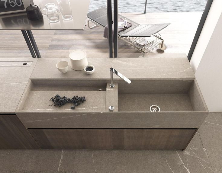 Modulnova Twenty Kitchen Design | Modern Italian Design @ DesignSpaceLondon . sink