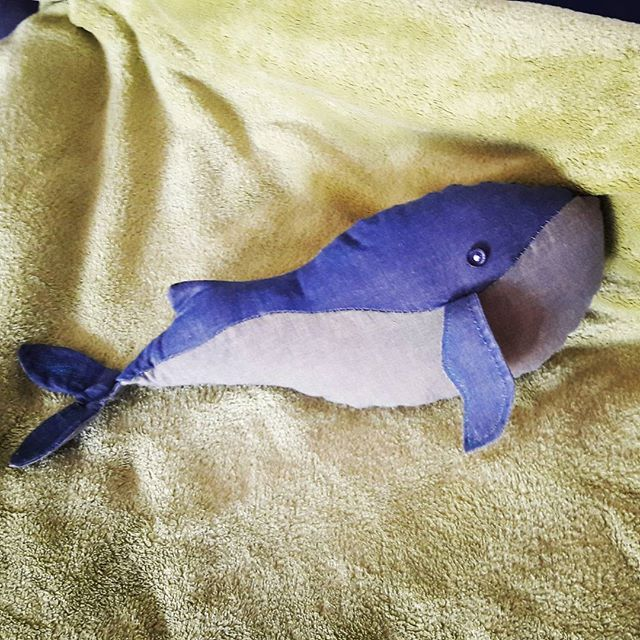🐳  #whale #toy #diy #sewing #sewingmachine #oldshirt #recycle #blanket