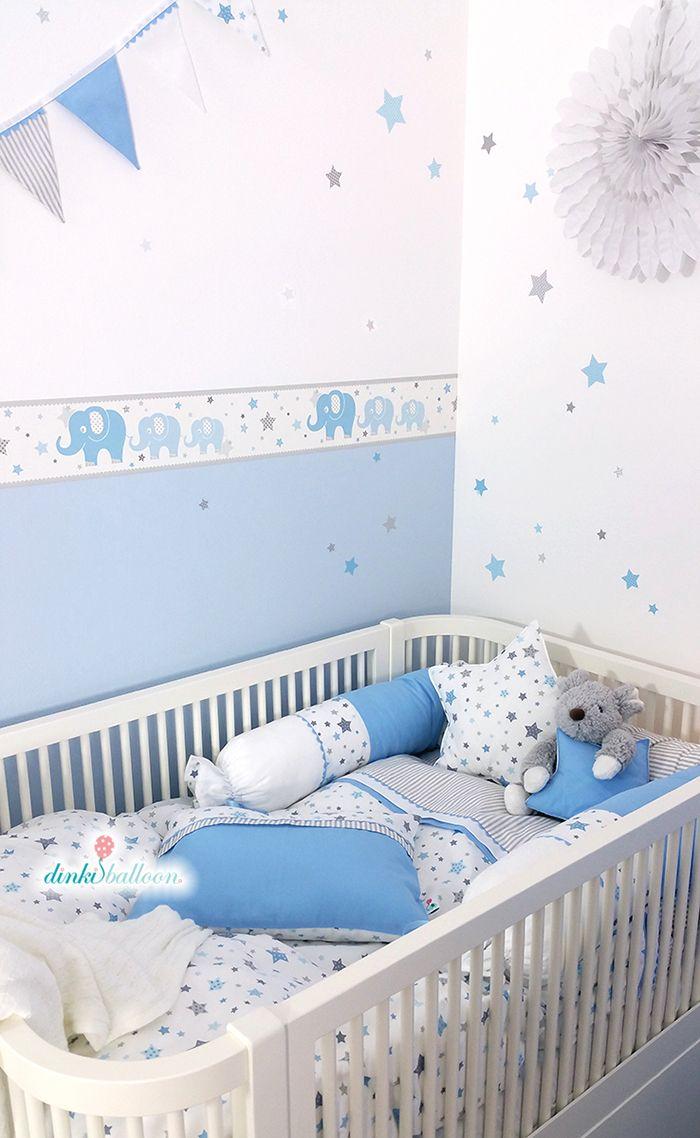 Torööö! Babyzimmer Wandgestaltung, Lampen und Textilien mit Elefanten und Sternen in hellblau/grau – perfekt für ein klassisches Jungenzimmer. #DinkiBalloon #Babyzimmer