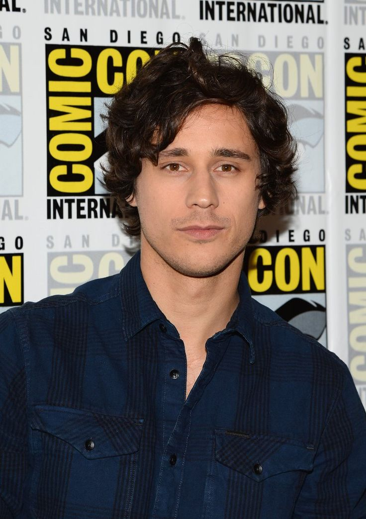 Peter Gadiot -Once Upon a Time in Wonderland (abc)