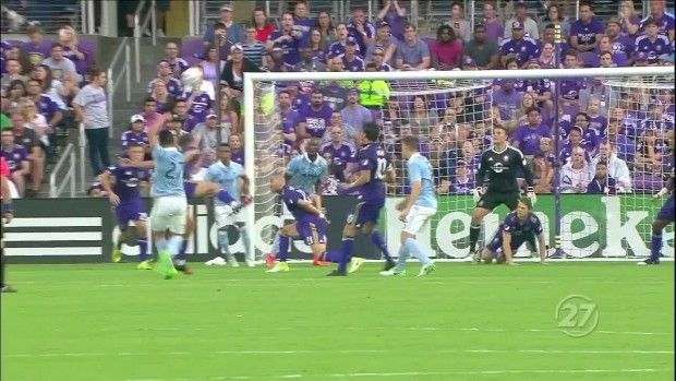 #MLS  SHOT: Roger Espinoza's volley attempt goes high