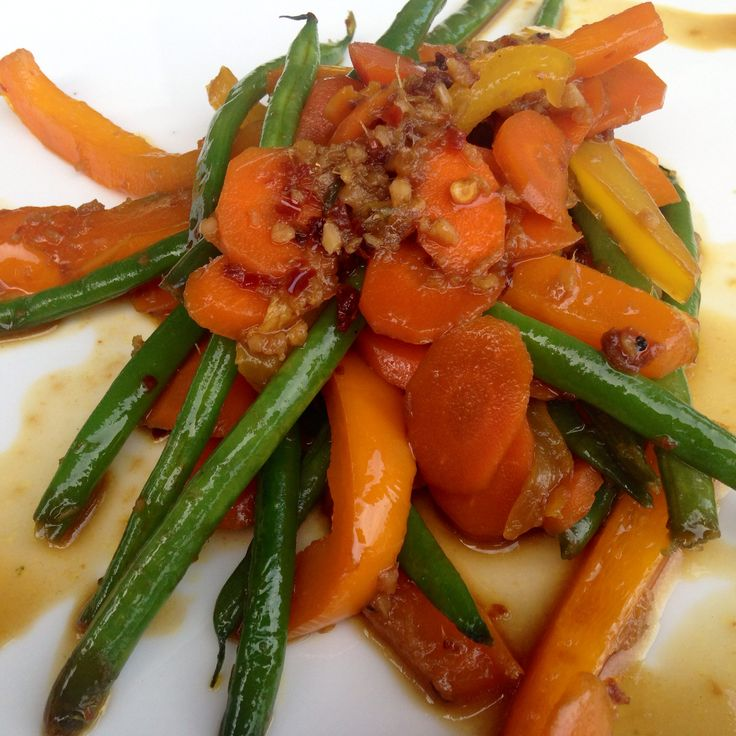 3 Day Refresh Dinner Recipe  Stir Fry Veggies!  Carrots, Green Beans, and Sweet Pepper with Garlic and Ginger!