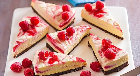 Spoil yourself with this scrumptious eggless raspberry cheesecake