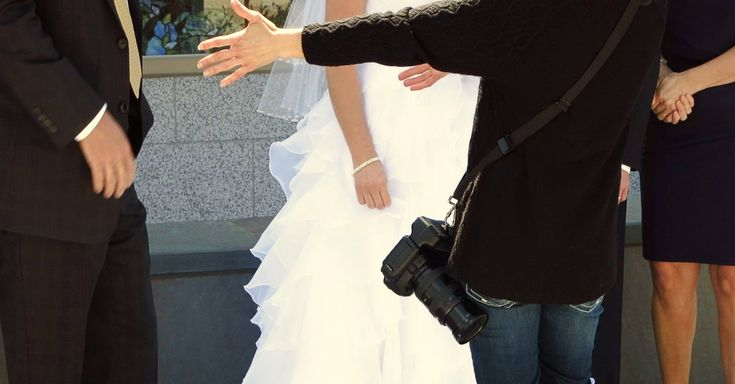 Why Is This Marine's Wedding Photo Going Viral?   The Veterans Site Blog