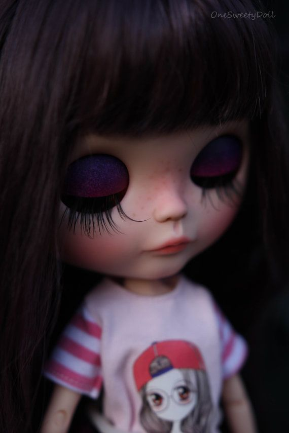 Prune Blythe RBL usine OOAK cheveux violet noir par OneSweetyDoll