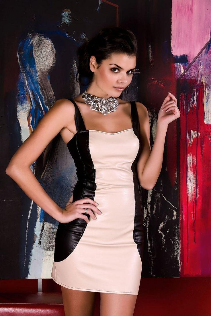 http://prestige24.sky-shop.pl/Simona-Sukienka-z-ramiaczkami,p,1154