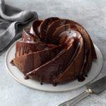 Schokoladenkuchenrolle mit Pralinenfüllrezept | Geschmack von Zuhause