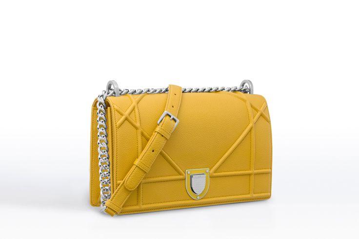 """Bolsa """"diorama"""" em couro de bezerro granulado amarelo acácia - Dior"""