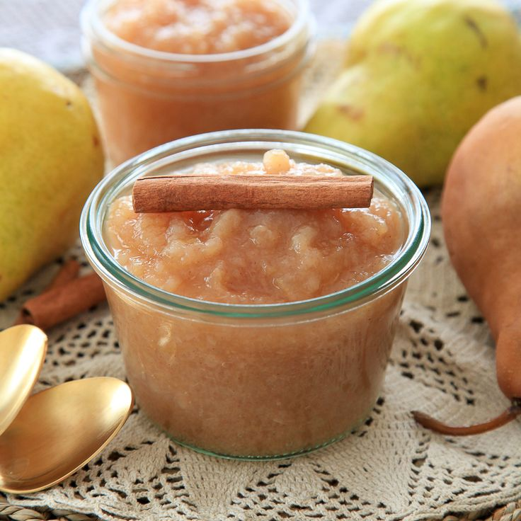 Spiced Crock-pot pearsauce