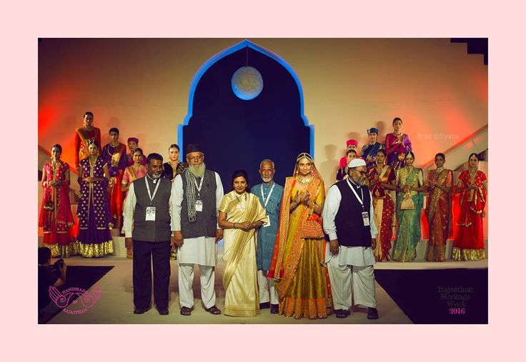 Vidhi Singhania with her Mharo Des Collection and her weavers.