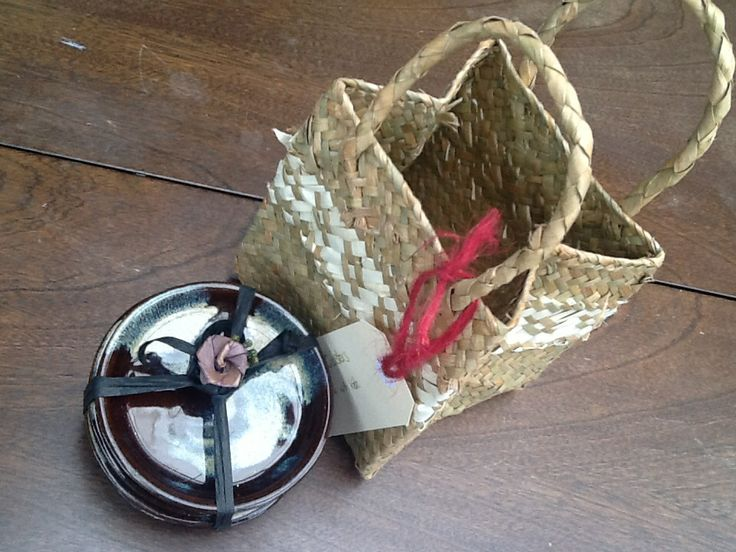 Set of candle coasters gift wrapped with harakeke putiputi and Maori gift bag