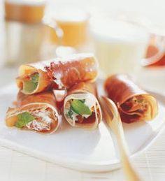 Italienska parmarullar med basilikablad soltorkade tomater och creme fraiche