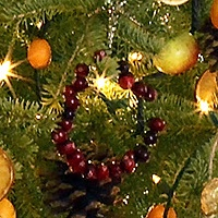cranberry holiday wreath rings for Christmas tree ornaments