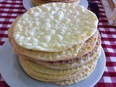 Fabulosa receta para Torta Rogel. La receta de Torta rogel es muy facil de realizar, donde tenemos que realizar su masa bien crocante.   Espero les guste esta practica receta de Torta rogel facil.  La Torta rogel es mas conocida como torta alfajor, es un clásico en el río de la plata, en particular porque tiene mucho dulce de leche, y hay muchas personas fanáticas y hasta adictas al dulce de leche, que claro aman la Torta rogel.