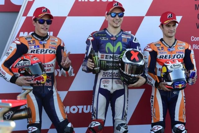 Klasemen Akhir MotoGP 2015 Setelah GP Valencia : Lorenzo 330 poin dan Rossi 325 poin - http://www.otovaria.com/4124/klasemen-akhir-motogp-2015-setelah-gp-valencia-lorenzo-330-poin-dan-rossi-325-poin.html